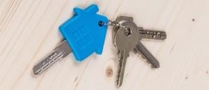 Blue_house_keys